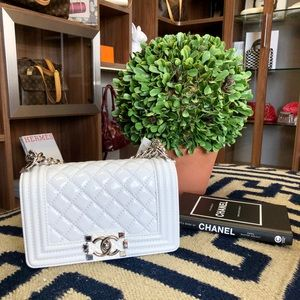 CHANEL PATENT BOY BAG. Offers welcome!